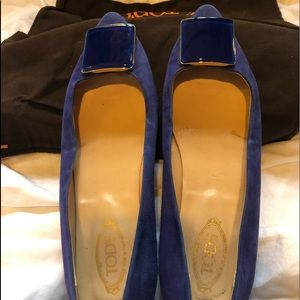 Tods women's blue suede flats - size 38 1/2